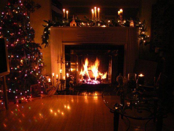 586d36e32b1a3c794ea9a6f02e870bf2--cosy-christmas-christmas-fireplace